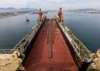 Νέα μεγάλη πλωτή δεξαμενή κατέπλευσε στον Πειραιά